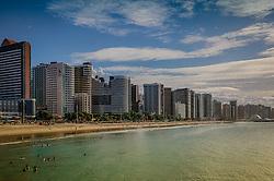 Praia de Iracema com edifícios da orla ao fundo, em Fortaleza - CE. FOTO: Jefferson Bernardes/ Agência Preview