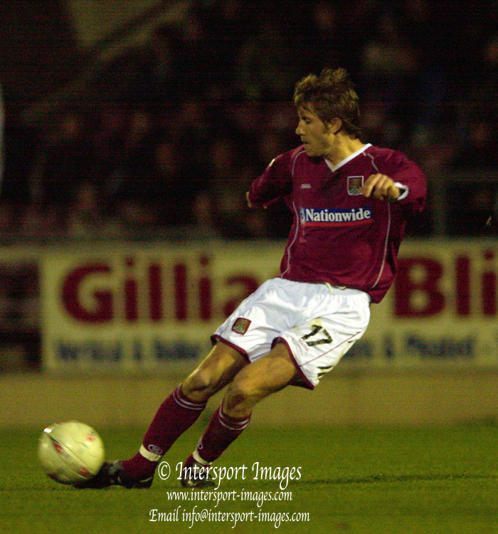 06/12/2003 - Photo  Peter Spurrier.FA Cup 2nd Rd - Northampton v Weston S Mare.Northampton's Greg Lincoln