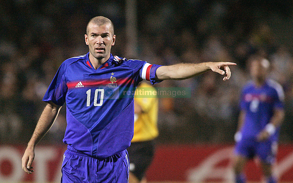 French midfielder Zinedine Zidane, who returns to play for France a year after announcing his international retirement, during the friendly soccer match France vs Ivory Coast, at the Mosson Stadium in Montpellier, southern France, on August 17, 2005. France won 3-0. Photo by Patrick Bernard/CAMELEON/ABACAPRESS.COM.  Equipe de France de Football French Soccer Team Ivory Coast Team Zidane Zinedine Activite sportive Sport Activity Football Foot Soccer Seule Seul Seuls Seules Alone France Frankreich Languedoc-Roussillon Montpellier Plan americain Half length  | 82570_26 Montpellier France