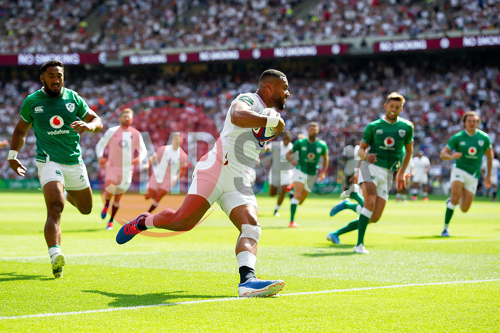 Joe Cokanasiga of England scores a try in the first half - Mandatory byline: Patrick Khachfe/JMP - 07966 386802 - 24/08/2019 - RUGBY UNION - Twickenham Stadium - London, England - England v Ireland - Quilter International