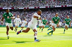 Joe Cokanasiga of England scores a try in the first half - Mandatory byline: Patrick Khachfe/JMP - 07966 386802 - 24/08/2019 - RUGBY UNION - Twickenham Stadium - London, England - England v Ireland - Quilter International