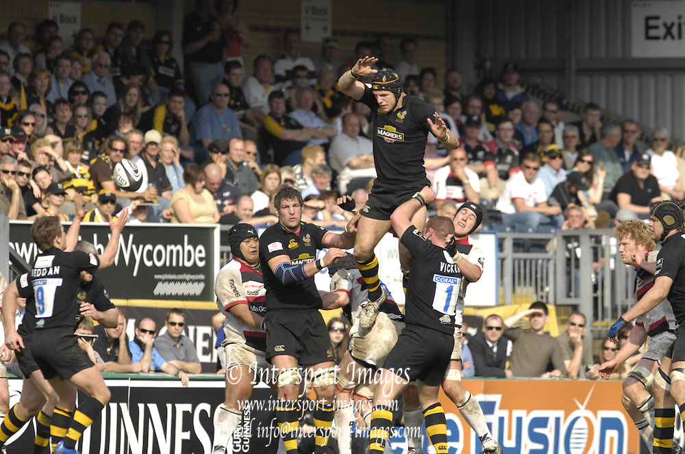 Wycombe, GREAT BRITAIN,  during the Guinness Premiership  Rugby match between London Wasps and Saracens at Adams Park, England [Credit: Peter Spurrier/Intersport Images]