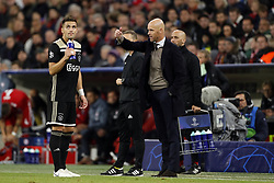 (l-r) Dusan Tadic of Ajax, Ajax coach Erik ten Hag during the UEFA Champions League group E match between Bayern Munich and Ajax Amsterdam at the Allianz Arena on October 02, 2018 in Munich, Germany