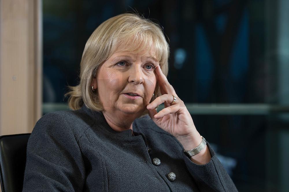 23 JAN 2017, BERLIN/GERMANY:<br /> Hannelore Kraft, SPD, Ministerpraesidentin Nordrhein-Westfalen, während einem Interview, Landesvertretung Nordrhein-Westfalen<br /> IMAGE: 20170123-02-015
