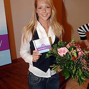 """NLD/Huizen/20061206 - Presentatie Unicef CD """" Women Only - Unite for Childeren """", Chantal Janzen"""