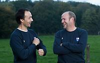BLOEMENDAAL -  coach Michel van den Heuvel (Bldaal)  met Karel Klaver.   Heren I, seizoen 217-2018. COPYRIGHT KOEN SUYK