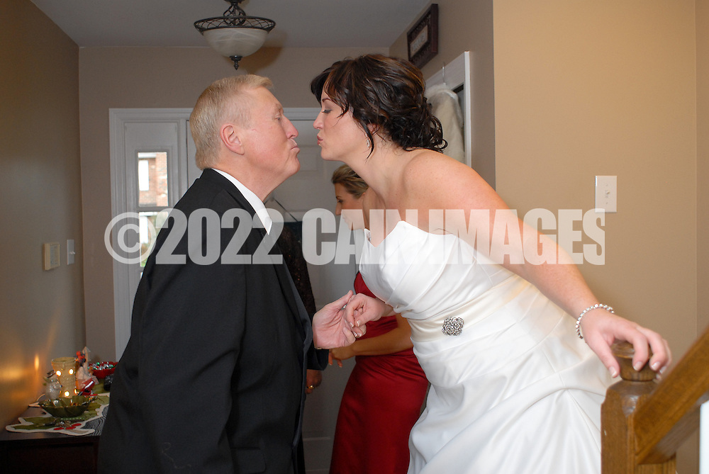 12/4/09 - 3:29:54 PM - SKIPPACK, PA: Carolyn & Michael,  December 4, 2009 in Skippack, Pennsylvania. (Photo by William Thomas Cain/cainimages.com)