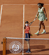 Serena Williams of the United States in action during the fourth round of the Roland-Garros 2021, Grand Slam tennis tournament on June 6, 2021 at Roland-Garros stadium in Paris, France - Photo Nicol Knightman / ProSportsImages / DPPI