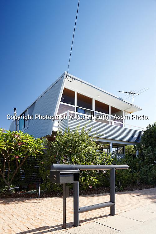Ash (?) house<br /> 2 Edward St, North Beach<br /> Ray Jones Architect