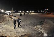 Nederland, Haalderen, 11-2-2012IJspret op een ijsbaan in de avond. koek en zopie.Foto: Flip Franssen/Hollandse Hoogte
