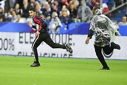 May 28, 2018 - St Denis, France, France - un supporter court sur la pelouse course par la securite (Credit Image: © Panoramic via ZUMA Press)