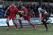 Nasi Manu (c) of Edinburgh runs in and scores his teams first try of the match, Fraser McKenzie (l) in support with Ollie Griffiths of the Newport Gwent Dragons closing in. Guinness Pro12 rugby match, Newport Gwent Dragons  v Edinburgh rugby at Rodney Parade in Newport, South Wales on Sunday 27th November 2016.<br /> pic by Simon Latham, Andrew Orchard sports photography.