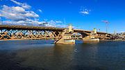 USA, Oregon, Portland, Burnside Bridge.