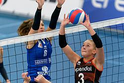 26-10-2019 NED: Talentteam Papendal - Sliedrecht Sport, Ede<br /> Round 4 of Eredivisie volleyball - Fleur Savelkoel #6 of Sliedrecht Sport , Fleur Meinders #3 of Talent Team