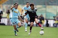Fotball<br /> Italia 2004/05<br /> Lazio v Reggina<br /> 19. september 2004<br /> Foto: Digitalsport<br /> NORWAY ONLY<br /> Giuliano Giannichedda Lazio e Shunsuke Nakamura Reggina