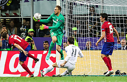 Jan Oblak of Atlético vs Gareth Bale of Real Madrid during football match between Real Madrid (ESP) and Atlético de Madrid (ESP) in Final of UEFA Champions League 2016, on May 28, 2016 in San Siro Stadium, Milan, Italy. Photo by Vid Ponikvar / Sportida