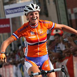 Sportfoto archief 2006-2010<br /> 2009<br /> Chantal Blaak (Leontien.nl) reed met een solo van meer dan 30 kilometer overtuigend naar de Europese Titel