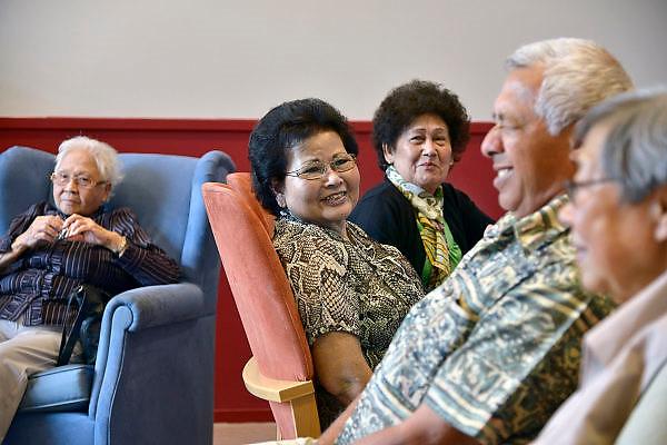 Nederland, Malden 9-82014Gezelligheid bij Indonesische ouderensoos.FOTO: FLIP FRANSSEN/ HOLLANDSE HOOGTE