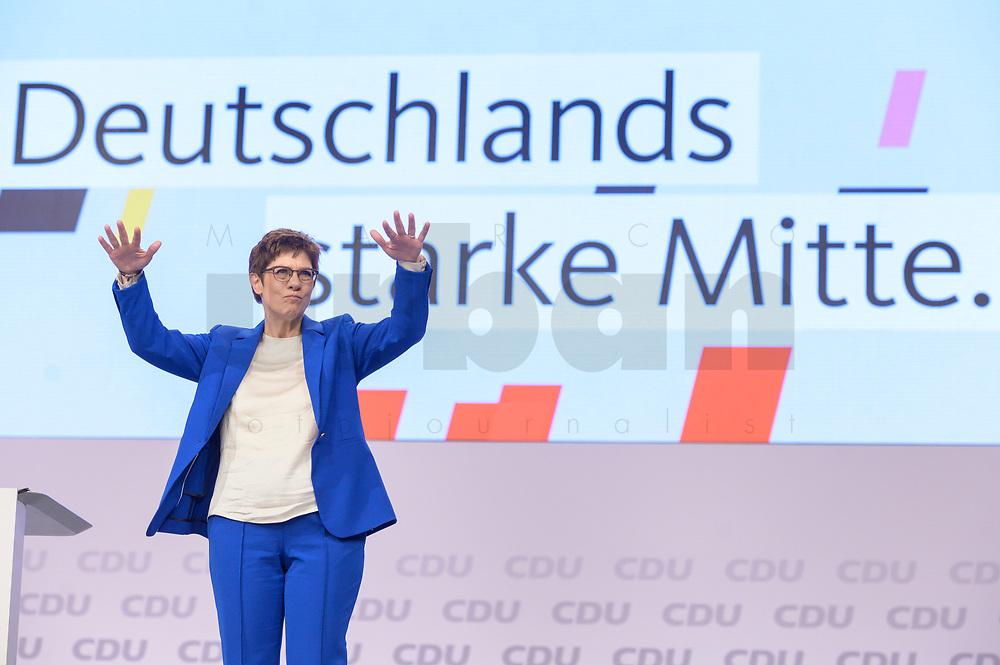 22 NOV 2019, LEIPZIG/GERMANY:<br /> Annegret Kramp-Karrenbauer, CDU Bundesvorsitzende und Bundesverteidigungsministerin, nimmt nach ihrer Rede den Applaus der Delegierten entgegen, CDU Bundesparteitag, CCL Leipzig<br /> IMAGE: 20191122-01-172<br /> KEYWORDS: Parteitag, party congress, Applaus, applaudieren, klatschen, Jubel