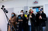 Bialystok, 27.12.2020. Pierwsze w wojewodztwie podlaskim szczepienie personelu medycznego przeciwko COVID-19 w Szpitalu MSWiA. N/z dziennikarze czekaja na rozpoczecie szczepien fot Michal Kosc / AGENCJA WSCHOD