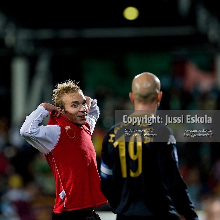 Jussi Vasara, Rami Hakanpää. FC Honka ? Racing Santander. UEFA Cup. Helsinki 2.10.2008. Photo: Jussi Eskola