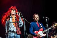 Foto: Gerrit de Heus. Emmen. 13-06-2015. Armand en The Kik op Retropop.