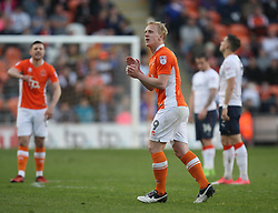 Mark Cullen of Blackpool applauds the fans as he is substituted - Mandatory by-line: Jack Phillips/JMP - 14/05/2017 - FOOTBALL - Bloomfield Road - Blackpool, England - Blackpool v Luton Town - Football League 2 Play-off Semi Final Leg 1