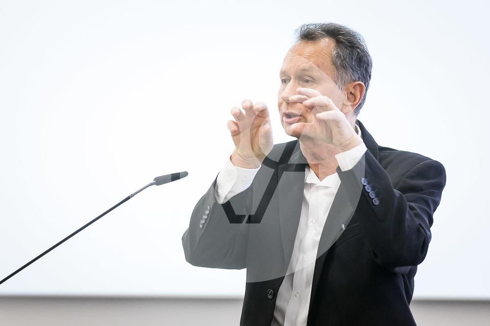 SCHWEIZ - AARBURG - Philipp Müller, Ständerat; spricht über das Institutionelle Rahmenabkommen am Parteitag der FDP Aargau bei der Franke AG - 26. März 2019 © Raphael Hünerfauth - http://huenerfauth.ch