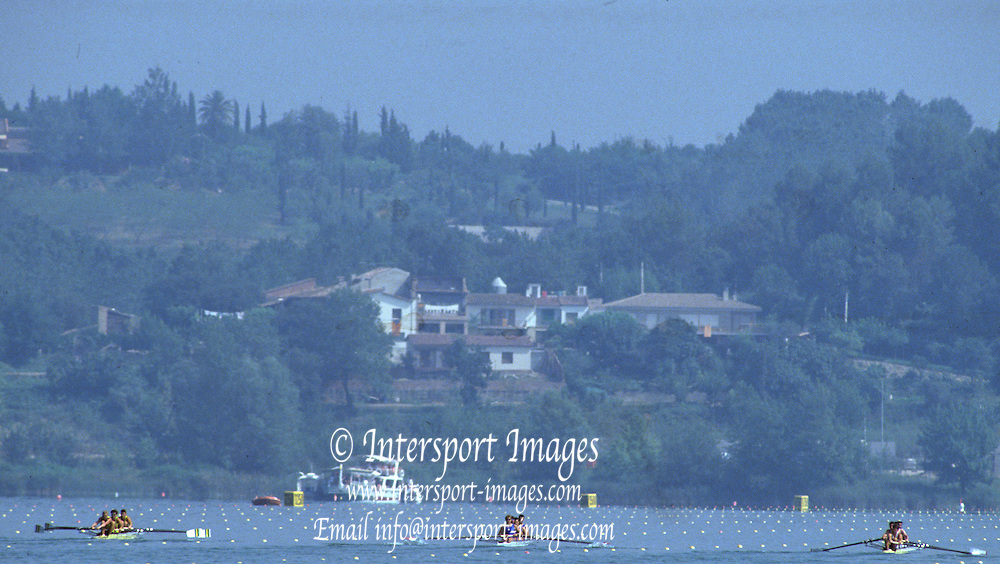 Barcelona, SPAIN.  General View of the course with a heat of the men's fours M4-, left,  AUS M4- right GBR M4- 1992 Olympic Rowing Regatta Lake Banyoles, Catalonia [Mandatory Credit Peter Spurrier/ Intersport Images]