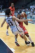 DESCRIZIONE : Caserta campionato serie A 2013/14 Pasta Reggia Caserta EA7 Olimpia Milano<br /> GIOCATORE : Keith Langford<br /> CATEGORIA : palleggio penetrazione equilibrio<br /> SQUADRA : EA7 Olimpia Milano<br /> EVENTO : Campionato serie A 2013/14<br /> GARA : Pasta Reggia Caserta EA7 Olimpia Milano<br /> DATA : 27/10/2013<br /> SPORT : Pallacanestro <br /> AUTORE : Agenzia Ciamillo-Castoria/GiulioCiamillo<br /> Galleria : Lega Basket A 2013-2014  <br /> Fotonotizia : Caserta campionato serie A 2013/14 Pasta Reggia Caserta EA7 Olimpia Milano<br /> Predefinita :