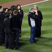 Tony Bennett sings America the Beautiful before the New York Mets Vs Kansas City Royals, Game 5 of the MLB World Series at Citi Field, Queens, New York. USA. 1st November 2015. Photo Tim Clayton