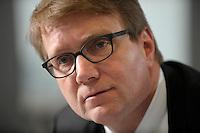 03 JAN 2008, BERLIN/GERMANY:<br /> Ronald Pofalla, CDU Generalsekretaer, waehrend einem Interview, in seinem Buero, Konrad-Adenauer-Haus<br /> IMAGE: 20080103-01-002