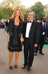 Artist ANISH KAPOOR and his wife SUSANNAH at the NSPCC's Dream Auction held at The Royal Albert Hall, London on 9th May 2006.<br /><br />NON EXCLUSIVE - WORLD RIGHTS