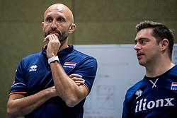 10-05-2018 NED: Training Dutch volleyball team women, Arnhem<br /> Coach Jamie Morrison, Assistent Coach Alessandro Bracceschi