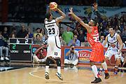 DESCRIZIONE : Caserta campionato serie A 2013/14 Pasta Reggia Caserta EA7 Olimpia Milano<br /> GIOCATORE : Chris Roberts<br /> CATEGORIA : tiro three points<br /> SQUADRA : Pasta Reggia Caserta<br /> EVENTO : Campionato serie A 2013/14<br /> GARA : Pasta Reggia Caserta EA7 Olimpia Milano<br /> DATA : 27/10/2013<br /> SPORT : Pallacanestro <br /> AUTORE : Agenzia Ciamillo-Castoria/GiulioCiamillo<br /> Galleria : Lega Basket A 2013-2014  <br /> Fotonotizia : Caserta campionato serie A 2013/14 Pasta Reggia Caserta EA7 Olimpia Milano<br /> Predefinita :