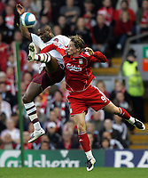 Photo: Paul Thomas.<br /> Liverpool v Arsenal. The FA Barclays Premiership. 28/10/2007.<br /> <br /> Fernando Torres (R) battles with Arsenal's  William Gallas.