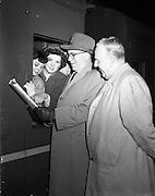 24/02/1958<br /> 02/24/1958<br /> 24 January 1958<br /> <br /> Derry's Children's Choir at King's Bridge, Dublin - leaving for USA