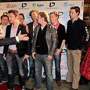 NLD/Hoofddorp/20120320 - Lancering Video on Demand, aankomst prijswinnaar Roy
