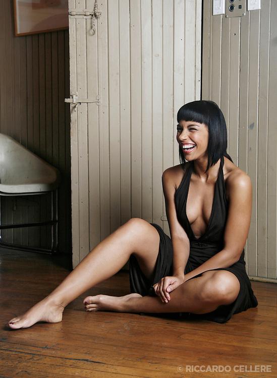 Portrait photography. Amanda Brugel, Actress. 2007.
