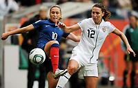 Fotball<br /> VM kvinner Tyskland<br /> 13.07.2011<br /> Semifinale USA v Frankrike<br /> Foto: Witters/Digitalsport<br /> NORWAY ONLY<br /> <br /> v.l. Camille Abily, Lauren Cheney (USA)<br /> Frauenfussball WM 2011 in Deutschland, Halbfinale Frankreich - USA
