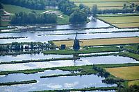 Molen in het Hollandse landschap.     COPYRIGHT  KOEN SUYK