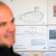 """Projecte """" Escultures : processos ocults """" . Reportatge al estudi de l'escultor  Ernest Altés, a All , Cerdanya . Decembre 2010. © Jordi Camí"""
