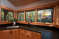 Squam lake house for Misiaszek and Turpin Architectural Planning.    ©2020 Karen Bobotas Photographer