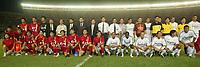 Fotball<br /> Real Madrid i Kina<br /> David Beckham gjør sin debut for Real Madrid<br /> Foto: Digitalsport<br /> <br /> China Dragon XI v Real Madrid at the Workers Stadium, Beijing, China. 02/08/2003.<br />China Dragon XI and  Real Madrid line up.