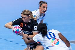 14-12-2018 FRA: Women European Handball Championships France - Netherlands, Paris<br /> Second semi final France - Netherlands / Lois Abbingh #8 of Netherlands, Grace Zaadi #10 of France