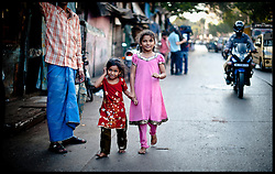 People living in the slums in Southern Mumbai, Monday November 29, 2012. Photo By Andrew Parsons / i-Images