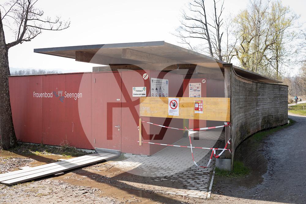 SCHWEIZ - SEENGEN - Geschlossenes Frauenbad am Hallwilersee, in der Zeit der Coronavirus-Pandemie - 28. März 2020 © Raphael Hünerfauth - http://huenerfauth.ch