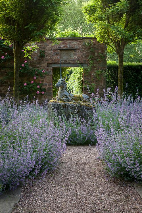 Walk of the Unicorn, Cothay Manor, Somerset