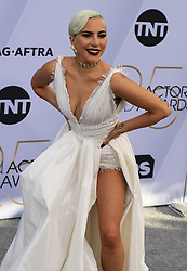 1?27???????????Lady Gaga??????25????????????27???????????????????....(20190127) -- Los Angeles, Jan. 27, 2019  Singer Lady Gaga arrives for the 25th Annual Screen Actors Guild Awards at the Shrine Auditorium in Los Angeles, the United States on January 27, 2019. (Credit Image: © Liying3/Xinhua via ZUMA Wire)