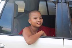 Monk, Shwedagon Pagoda